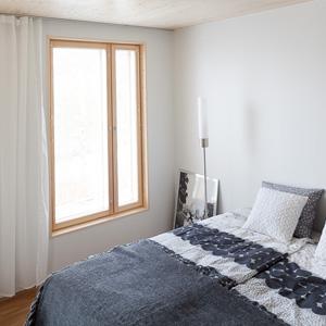 Kaikki Eskopuun ikkunat räätälöidään asennuskohteisiin sopiviksi ja varustellaan asiakkaan toiveiden mukaan.